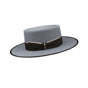 Garrocha model hat in grey...