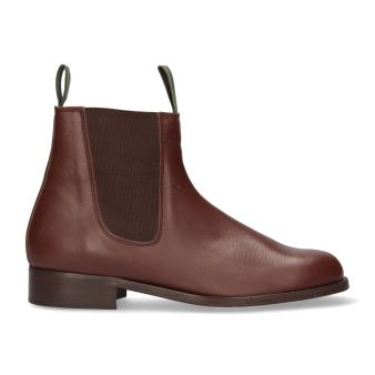 Short brown boot with gusset