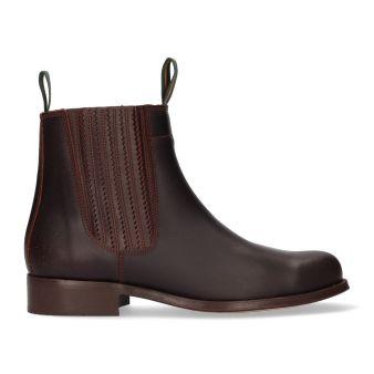 Short brown calf boot...