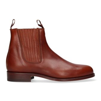 Short natural boot with...
