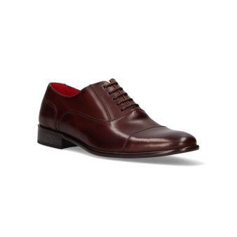 English brown formal shoe