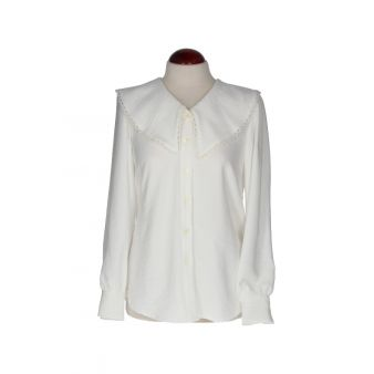 Camisa blanca cuello pico