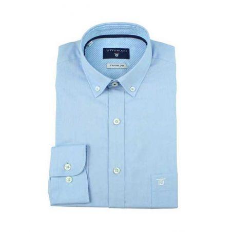 Camisa lisa celeste cuello botón