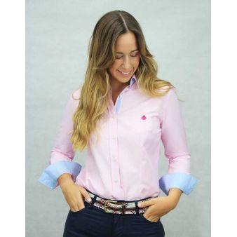 Camisa rosa con topos