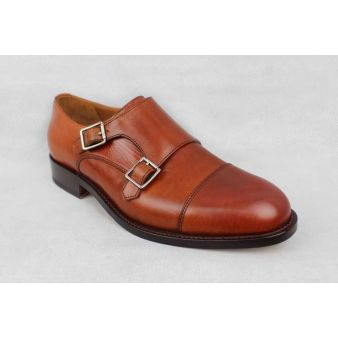 Gentleman's loafer with two...