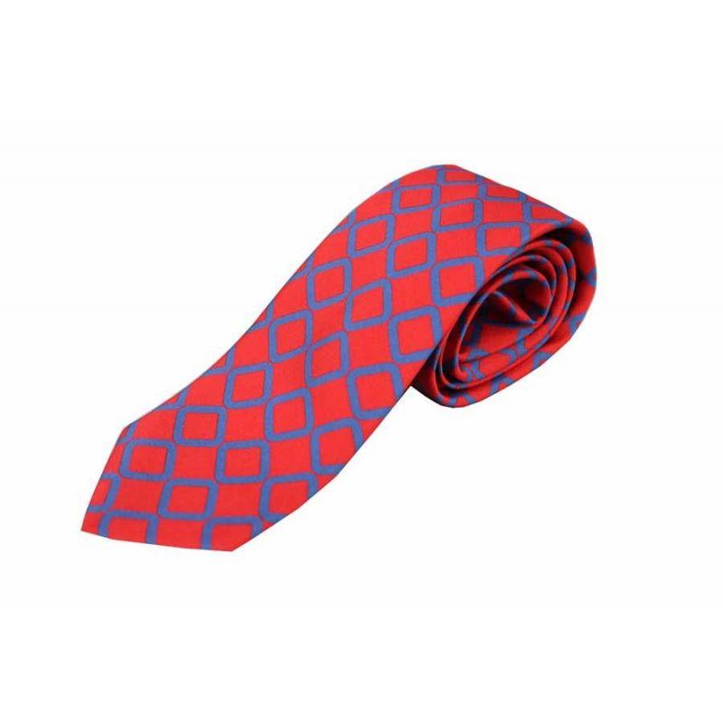 Corbata seda roja rombo azul