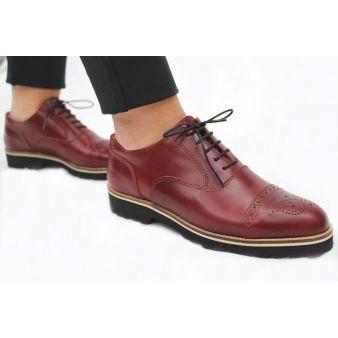 Zapato de señora cereza con cordones
