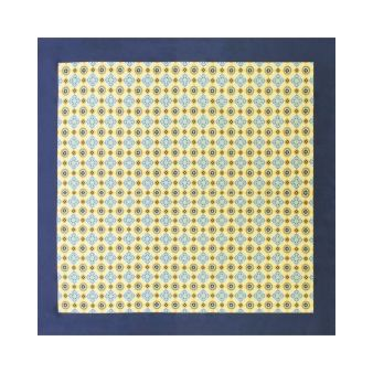 Scarf with yellow tiles...